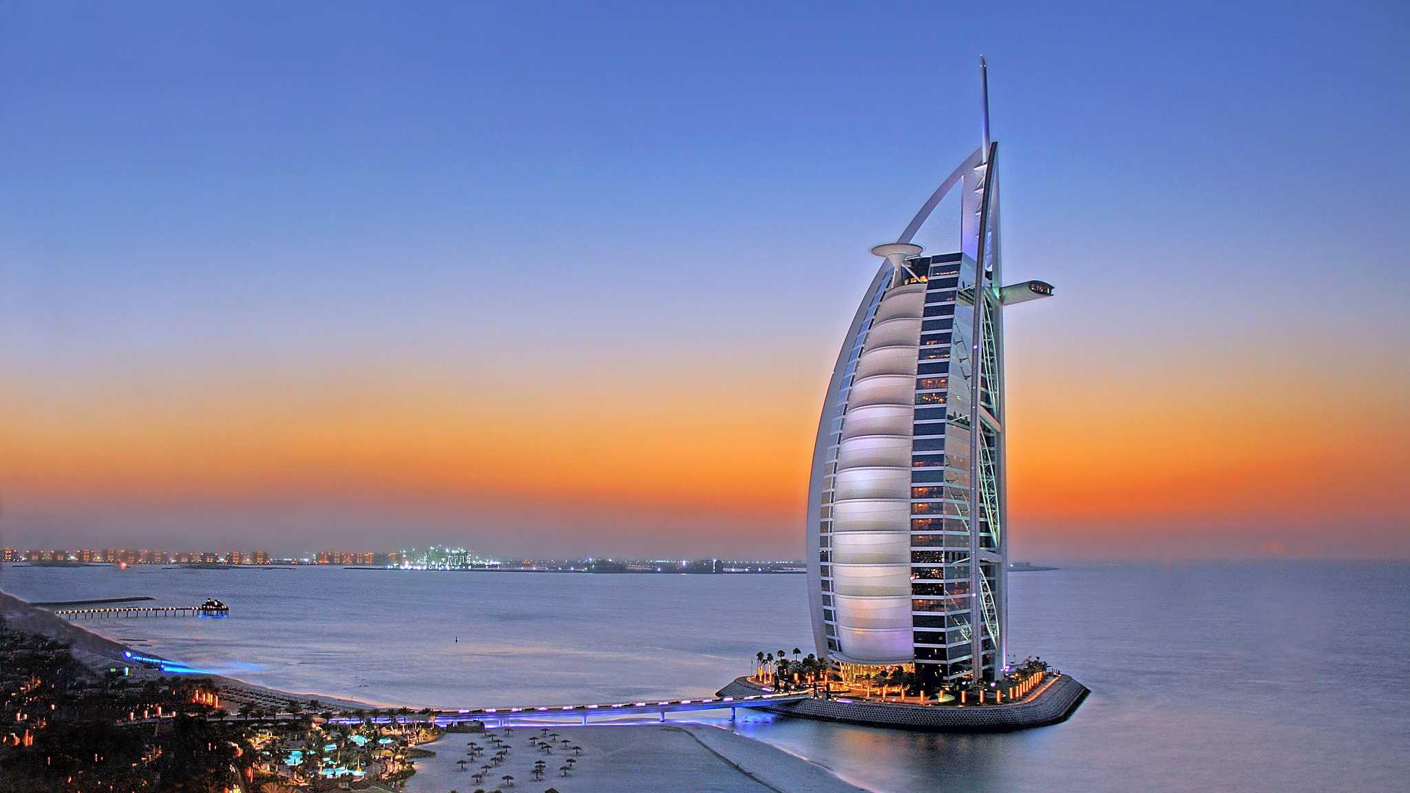 迪拜帆船酒店.png