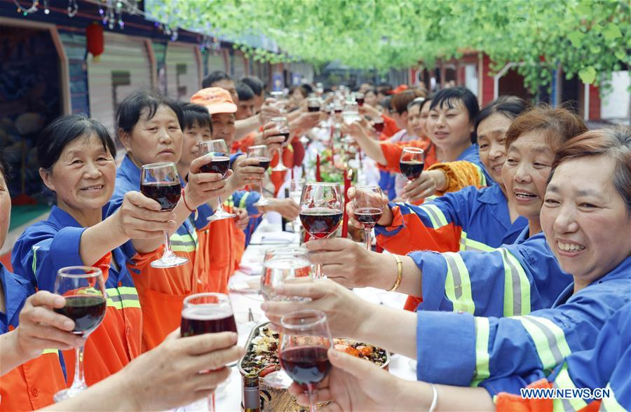 International Workers' Day greeted in SW China's Chongqing