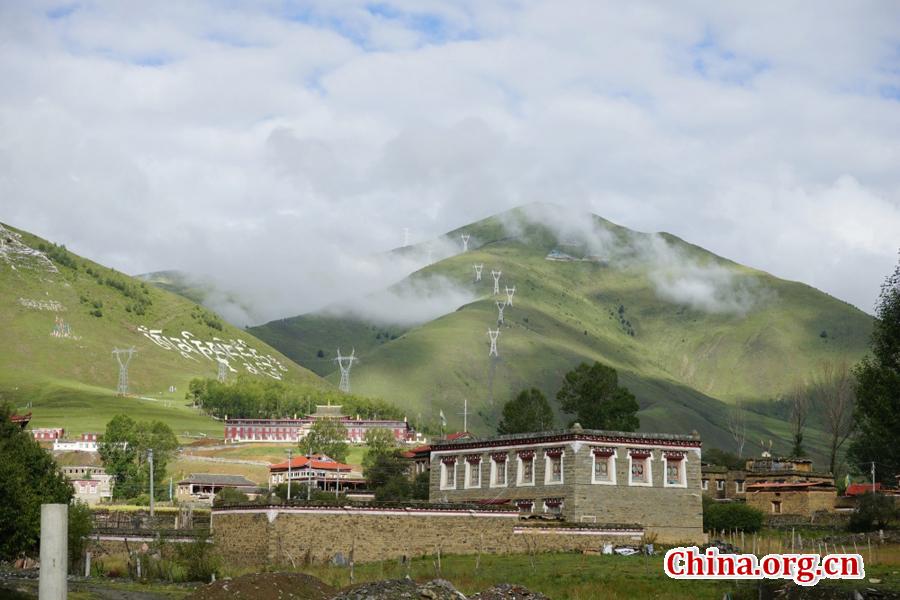 Picturesque Xinduqiao town in Sichuan