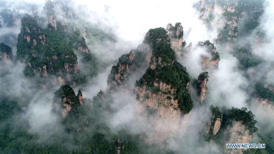 Scenery of Wulingyuan Scenic Area in Zhangjiajie