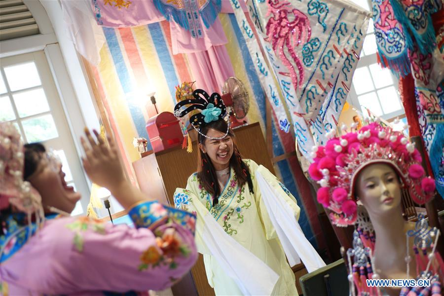 Event featuring Chinese opera held in Singapore