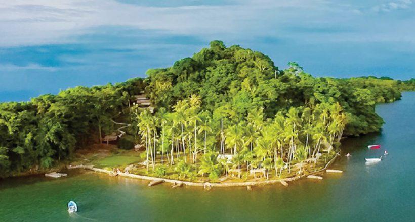 Ecolodge-Isla-Chiquita-Ecotourism-in-Costa-Rica-820x440.jpg