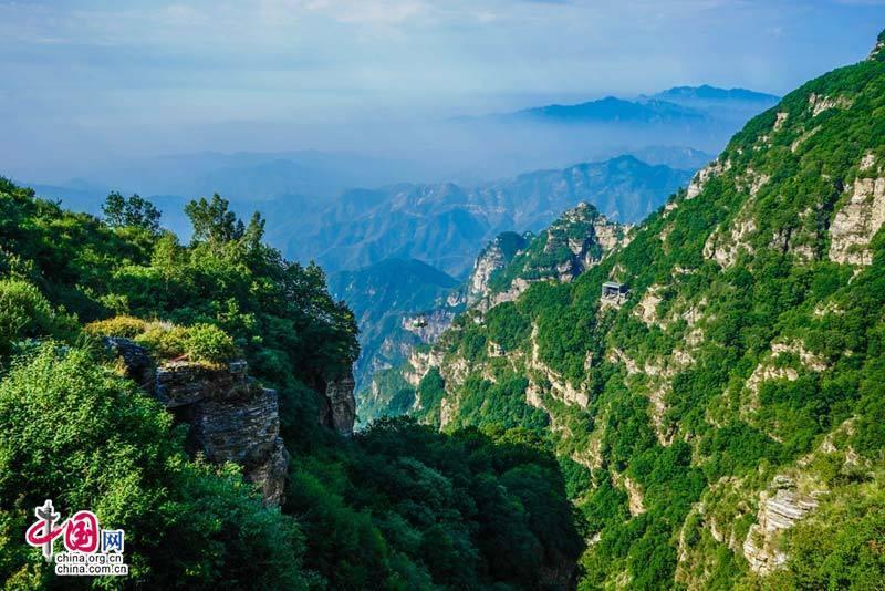 Summer scenery of Baishi Mountain