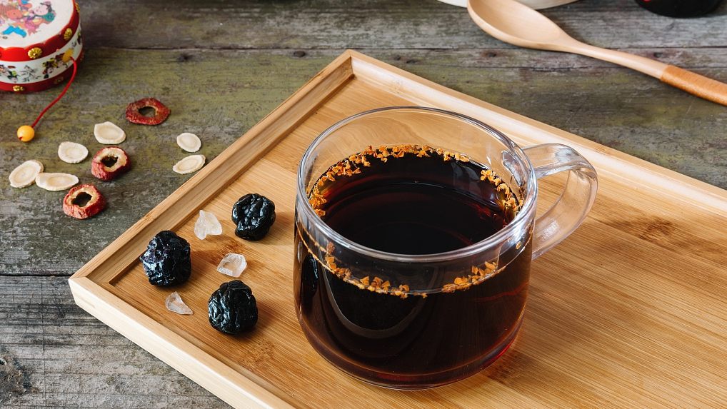 Try some Chinese heat-relieving drinks and snacks this summer!