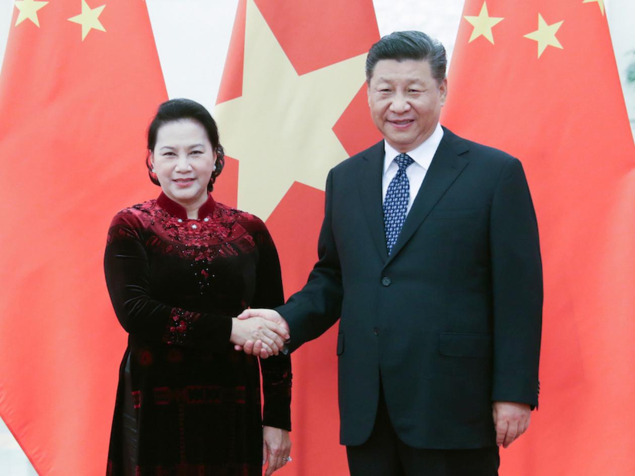 Xi calls on China, Vietnam to lift ties to new level