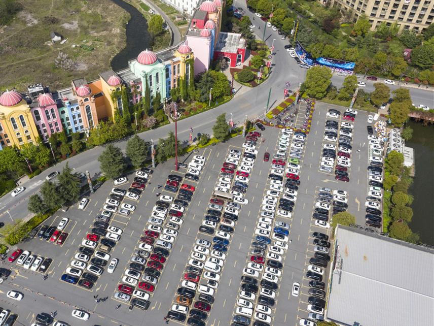 Intelligent parking benefits Hangzhou residents