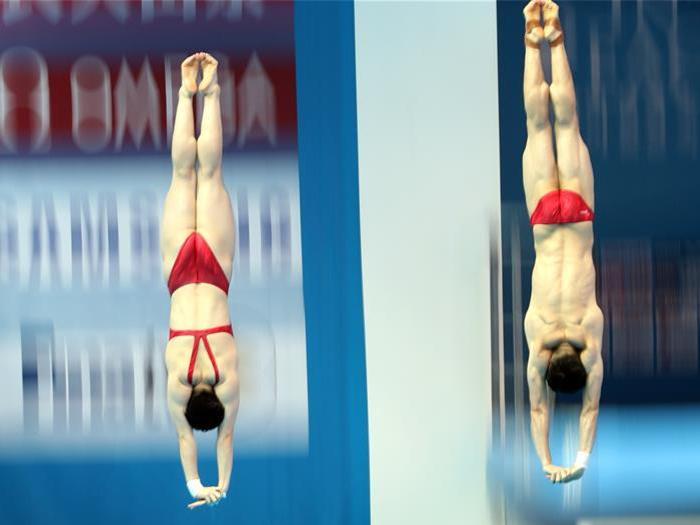 Lian Junjie/Si Yajie bring China first gold at Gwangju swimming worlds