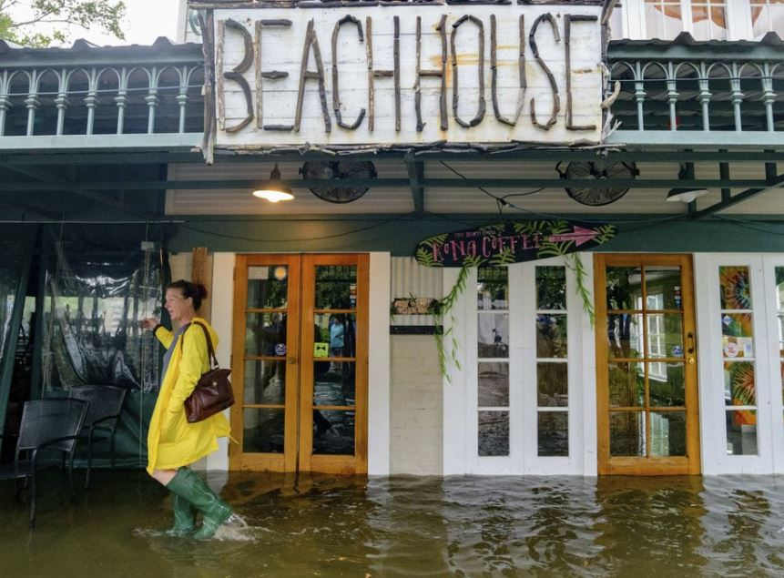Hurricane Barry slogs toward shore; weakens to tropical storm