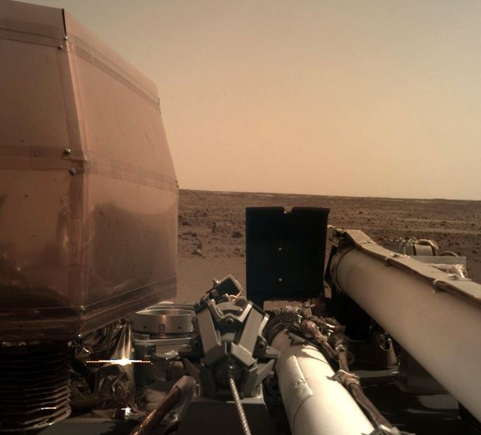 NASA engineers install legs, wheels on Mars 2020 rover