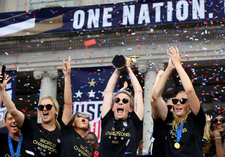P&G gives bonus to US women soccer stars