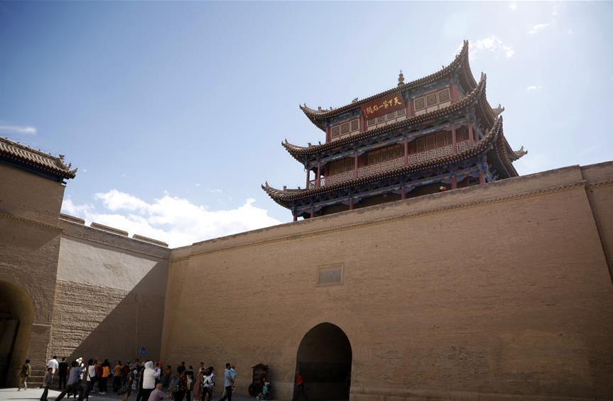 Ancient city of Jiayuguan in China's Gansu enters peak tourism season