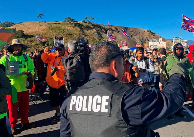 Hawaii officials want a peaceful end to telescope protests