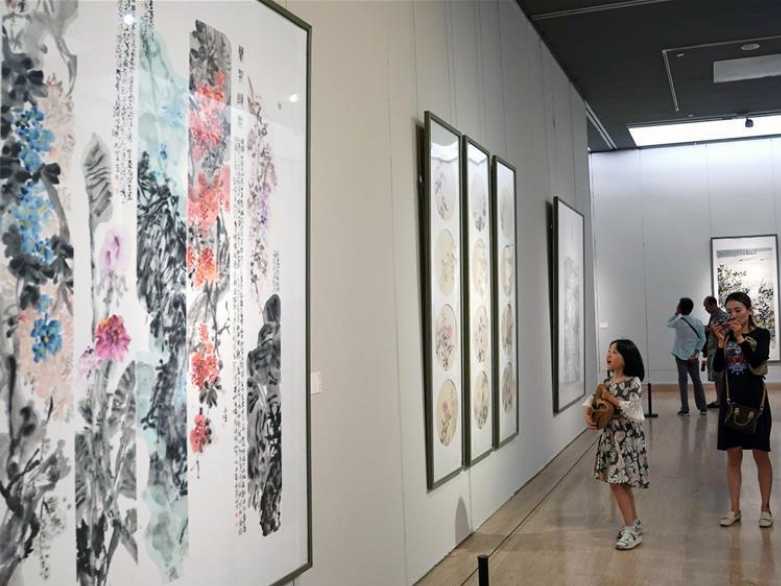 Art exhibition featuring Qiantang River culture held in Beijing