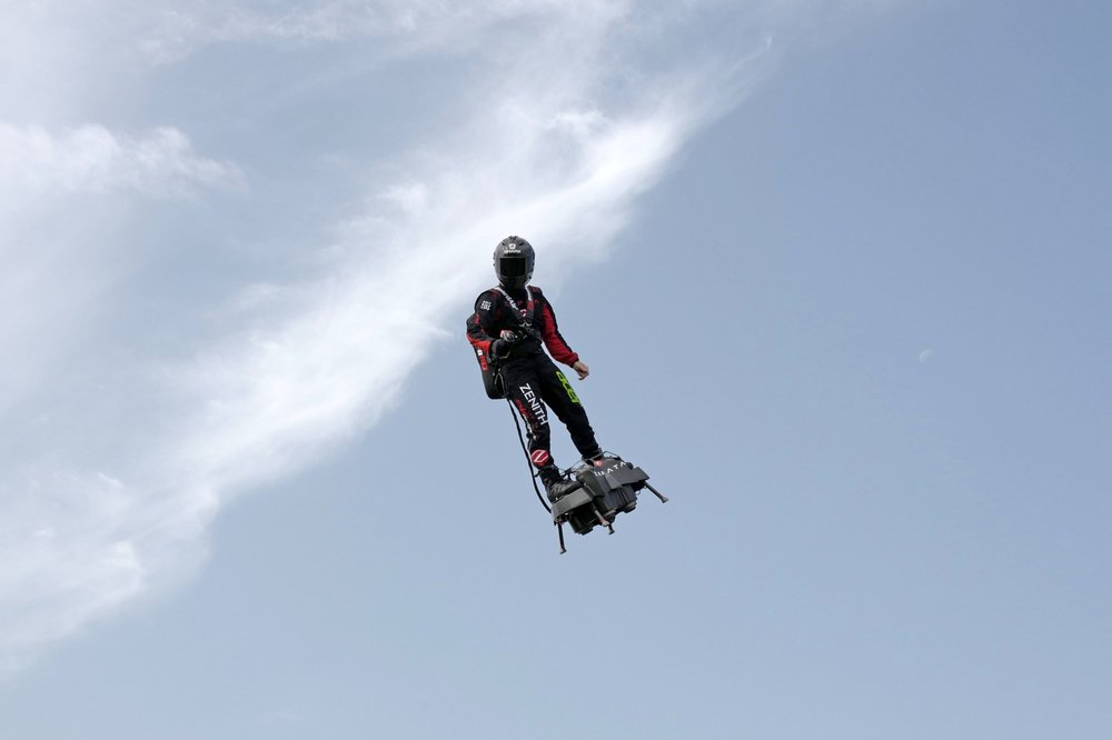 Frenchman to try flying across Channel on his flyboard