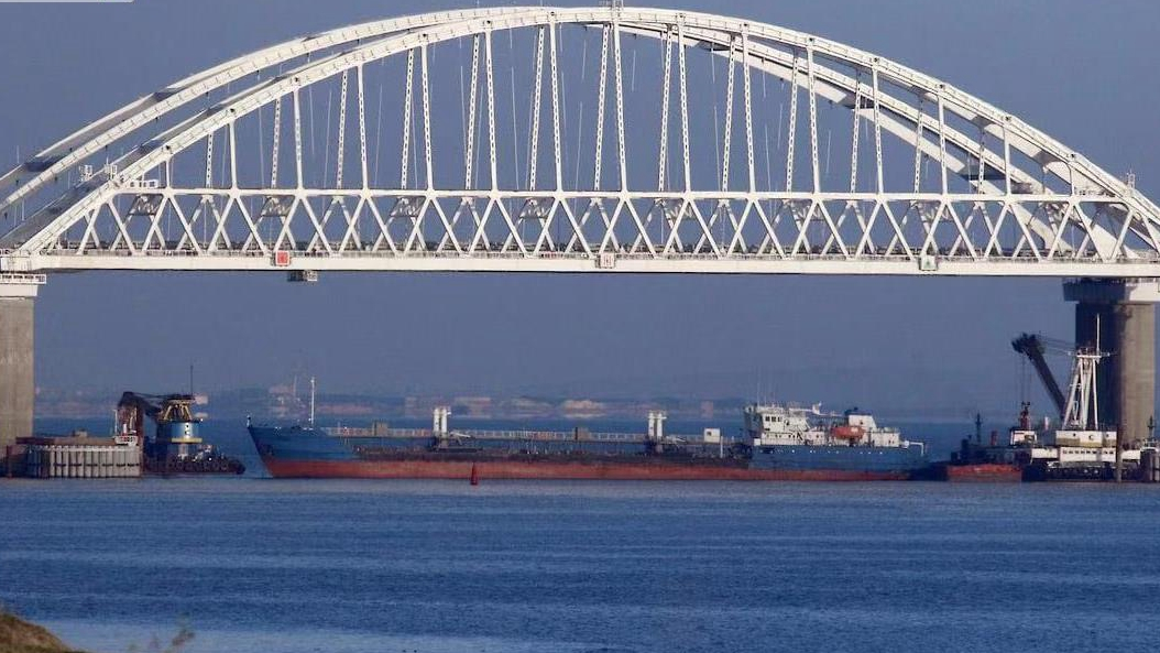 Ukraine seizes Russian tanker, frees crew after Moscow threat