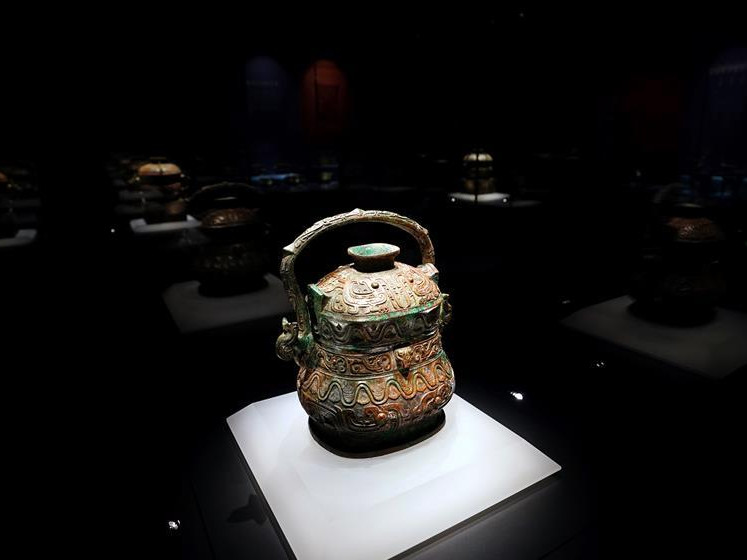 Over 2,200 cultural relics displayed at newly-opened bronze ware museum in China's Shanxi
