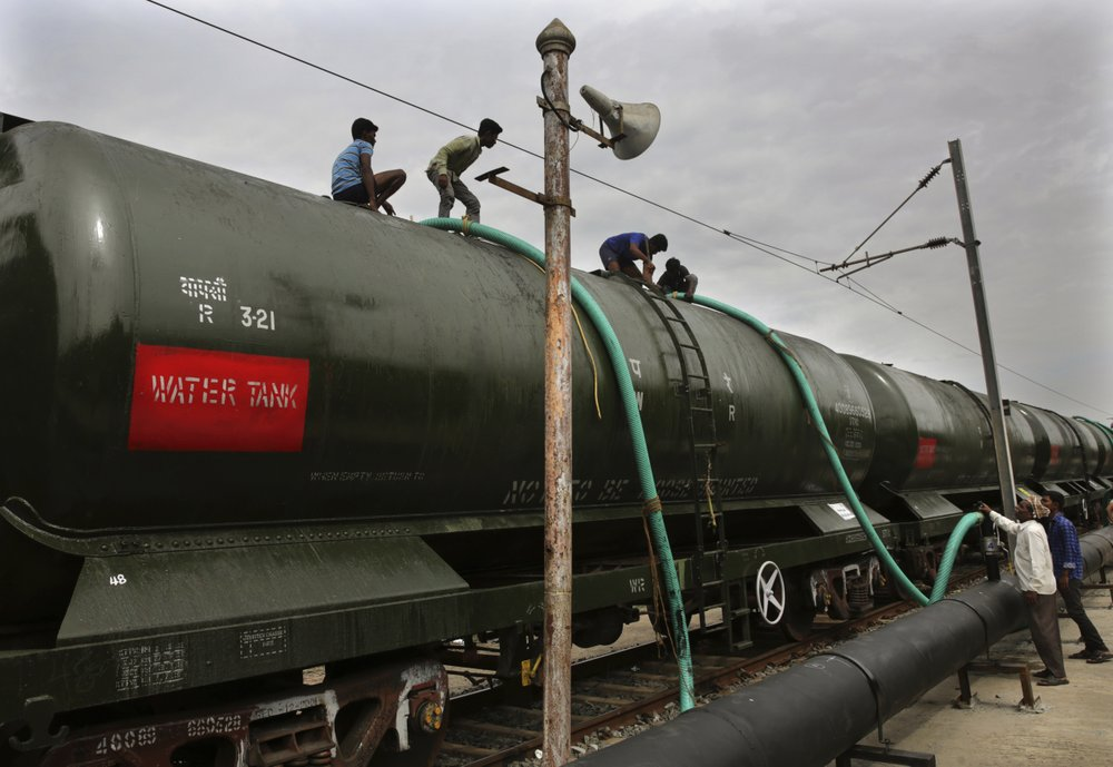 Parched manufacturing city in India brings in water by rail