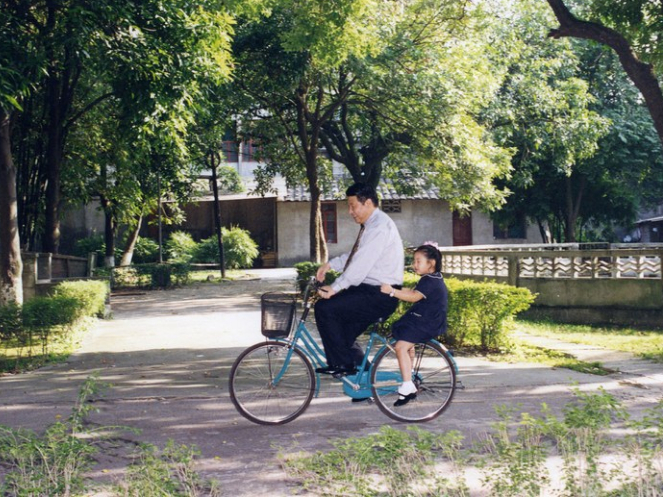 Xi and his bicycle stories