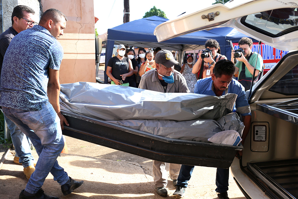 Relatives collapse identifying beheaded inmates in Brazil