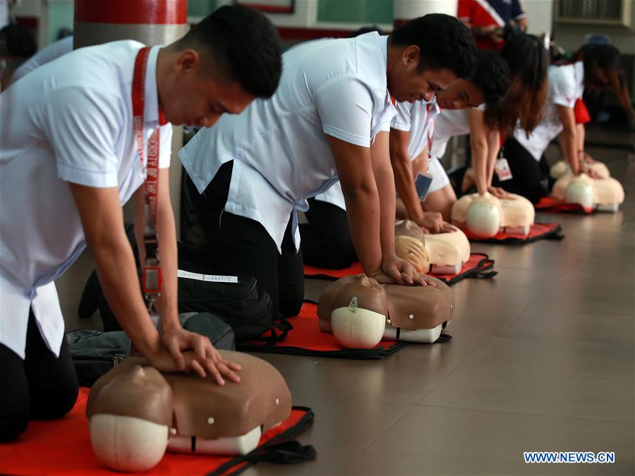 Students participate in mass CPR campaign demonstration in Manila
