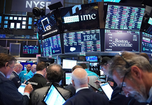 Wall Street extends steep losses on Powell's remarks after rate cut