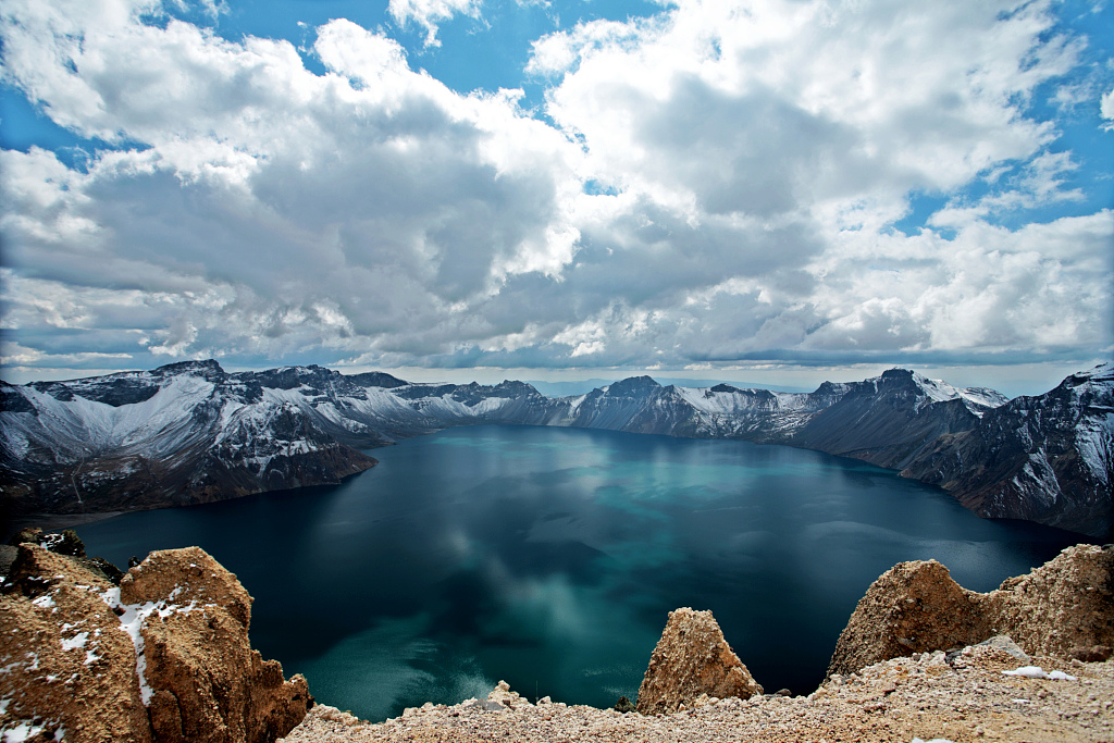 China's Changbai Mountain reserve bans adventurers in primeval forests