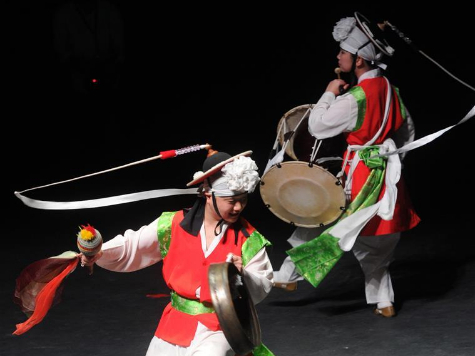 Traditional Korean folk dance show held in Kuwait