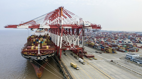 China opposes new US tariffs, vows to take necessary countermeasures