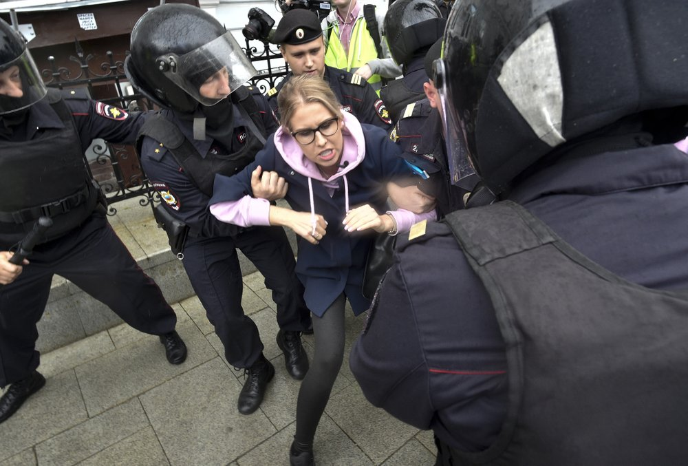 About 600 opposition protesters detained in Moscow