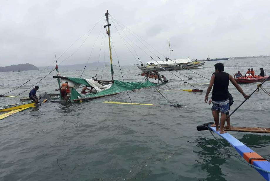 25 dead, 55 rescued after boats capsized in Philippines