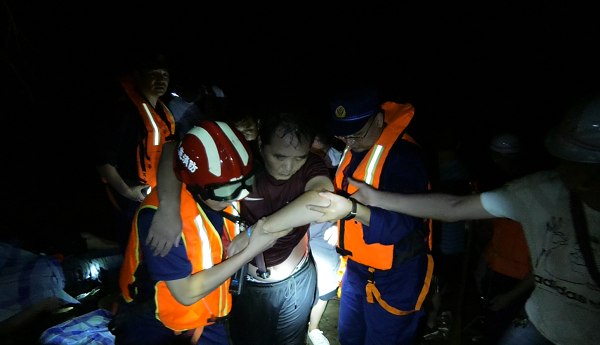 12 killed, 1 missing in central China flash flood