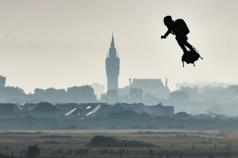 Frenchman achieves 'dream' of first hoverboard Channel crossing