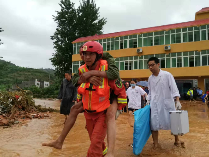 Heavy rain leaves 8 dead, 5 missing in central China