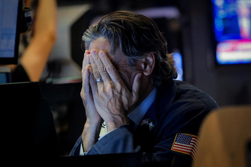 US equities plunge amid fears for escalation of trade tensions