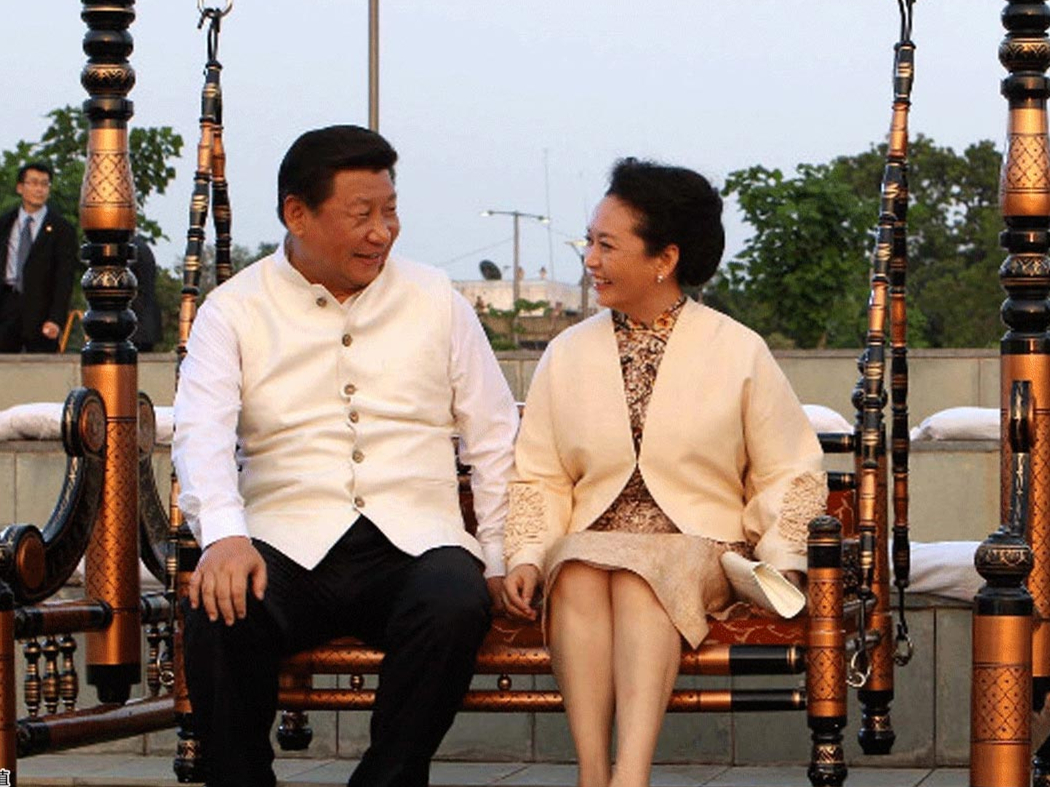 Sweet moments of Xi Jinping and his wife