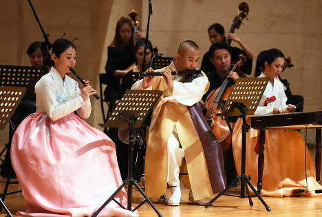 Concerts featuring 56 Chinese ethnic groups kick off in Beijing