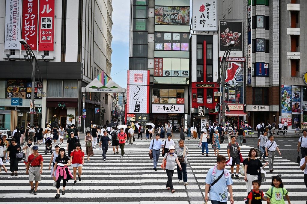 Japan OKs 1st export to South Korea under new trade curbs