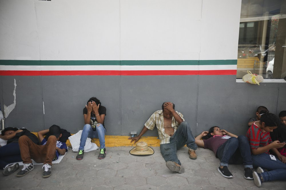 Number of migrants waiting at US border surges to 40,000