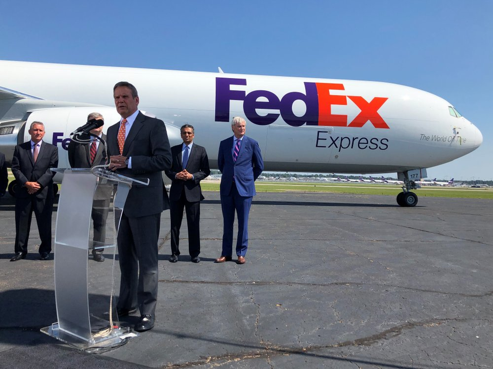 FedEx to end ground delivery business with Amazon