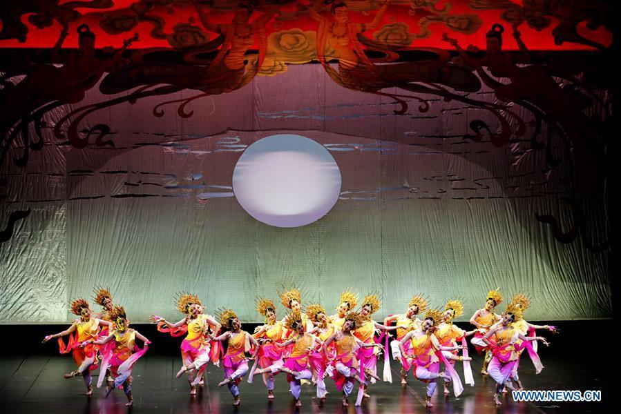 Charity dance performance held in Shanghai