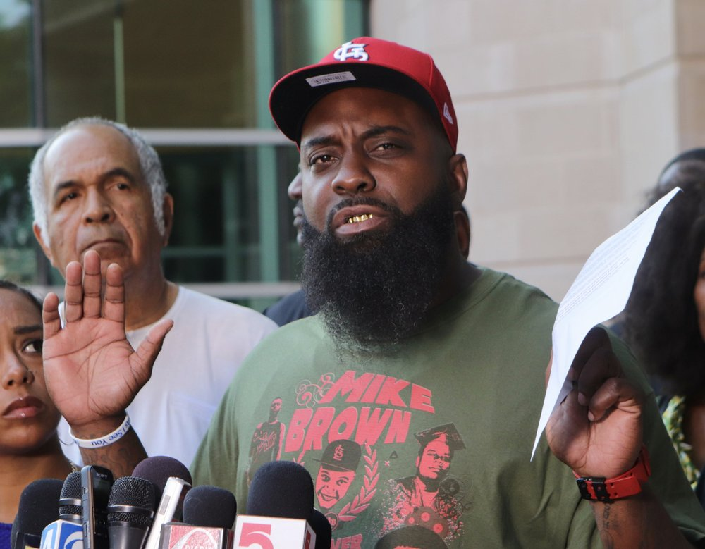 Michael Brown's father seeks new investigation into killing