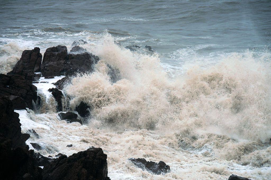Typhoon Lekima makes second landing in east China coast