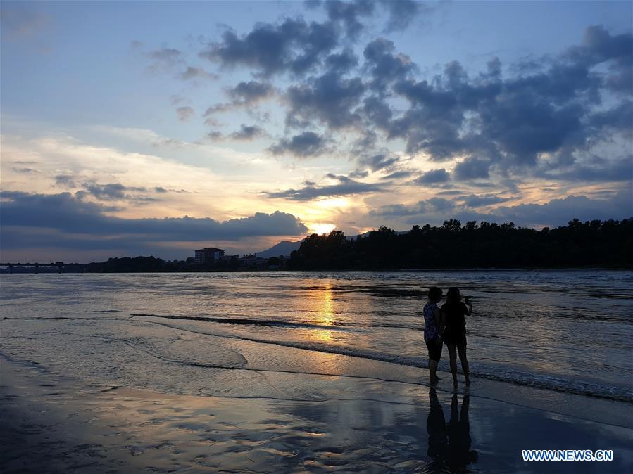 In pics: scenery of sunset in Chitwan, Nepal