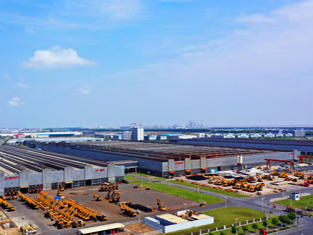 IC industry tops Lingang area's priority list