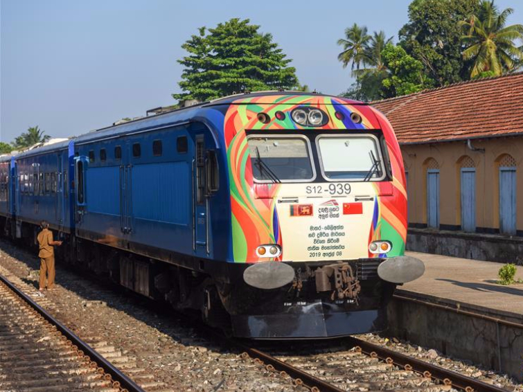 Sri Lanka imports train from China for upcountry line
