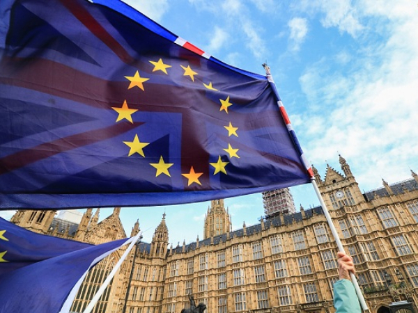 Brexit no-deal war of words intensifies with 'betrayal' warning