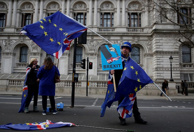 UK opposition seeks to oust PM to avoid no-deal Brexit