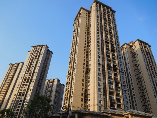 China's property investment up 10.6 pct in Jan-July