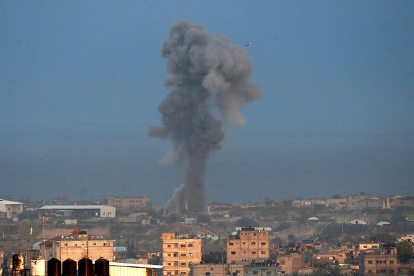 Israeli fighter jets attack Gaza militants' facilities in response to rockets