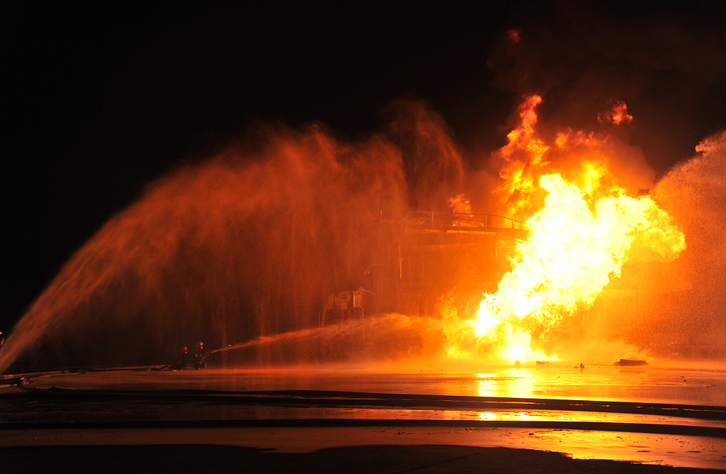 Scores feared dead in oil tanker explosion accident in western Uganda